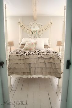 Ruffled bedspread.  Must make!!    Christmas Tour - Master Bedroom 'Silent Night' Banner