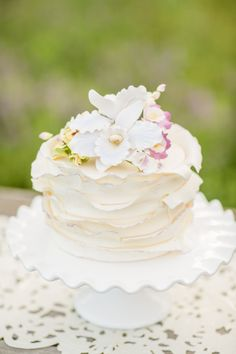Simple mini cake | Just Crumbs | Erin Lindsey #wedding