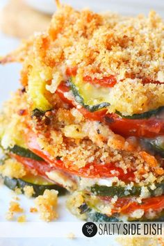 Zucchini Tomato Casserole with Bread Crumb Topping is a perfect layered vegetable casserole bake, serve up as an amazing side dish full of flavor! Zucchini Muffins, Baked Squash And Zucchini Recipes, Zucchini Tomato Casserole, Zucchini Side Dishes, Zuchinni Recipes, Vegetable Casserole, Baked Tomato Recipes, Tomato Bread, Tomato Squash Recipe