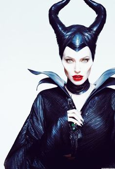 Maleficent Tattoo, Maleficent Movie, Malificent, Evil Queens, Fx Makeup, Halloween Looks, Fade To Black, Disney Tattoos, Pics Art