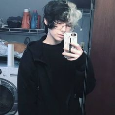 Image may contain: 1 person, phone and selfie Ftm Haircuts, Boy Hairstyles, Pretty Hairstyles, Split Dyed Hair, Half Dyed Hair, Eboy Hair, Half And Half Hair, Black Hair Boy, Aesthetic Hair