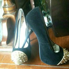 Charlotte russe pumps brand new beautiful spiked pumps Charlotte Russe Shoes Heels
