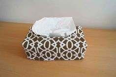Fraying: Tutorial: fabric cover tissue box / Fabric tissue box cover