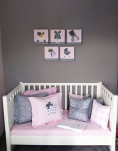 quarto de bebê rosa cinza