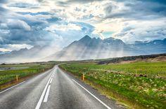 Circuit de 8 jours en Islande au printemps (Reykjavík - Akureyri - Egilsstadir - Hofn - Vik) pour seulement 433€ avec Hôtels, voiture de location et Vols aller - retour compris !