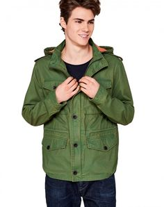 Shop Jacket with hood Green for JACKETS AND COATS at the official United Colors of Benetton online shop.