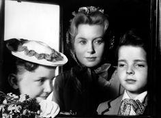 With Pamela Franklin and Martin Stephens in THE INNOCENTS (1961).