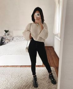 Women Casual Jeans Outfit Mens Stretch Jeans Checkered Jeans Casual Work Outfits 2019 High Rise Mom Jeans Casual Outfits For 60 Year Old Woman Nice Casual Wear For Ladies Trendy Fall Outfits, Casual Winter Outfits, Winter Fashion Outfits, Look Fashion, Simple Outfits, Autumn Outfits, Fashion Fall, Fashion Clothes, Clothes Women