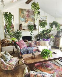 Living Room Decoration Ideas For The Black And White Lovers – Home Decor Pulse Bohemian House, Bohemian Interior, Home Interior, Bohemian Decor, Interior Design, Living Room Decor, Living Spaces, Deco Retro, Deco Boheme