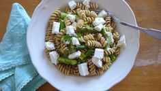 Fusilli integral with aspargus and feta cheese