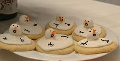 My BFF Sara came to town to visit for a week and was here for our cookie party. We really wanted to make melted snowman cookies for the par. Christmas Food Treats, Christmas Goodies, Holiday Desserts, Holiday Treats, Holiday Fun, Christmas Recipes, Diy Christmas, Xmas, Melted Snowman Cookies