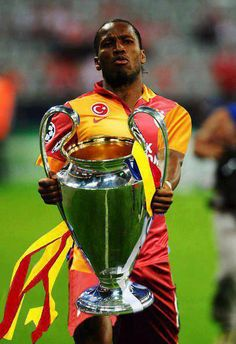 DROGBA / Galatasaray - Champions Turquie Uefa Super Cup, Good Soccer Players, Sports Clubs, This Is Love, Best Player, Football Soccer, Superstar, Champion, Latina