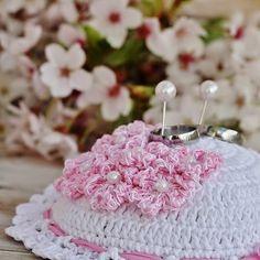 Zamilovaný kopeček - rozkvetlá třešeň...