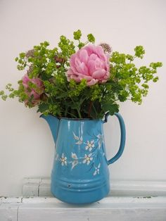I love flowers from my own garden in french flowered jugs