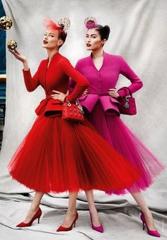 44 Ideas Fashion Photography Red Dress Haute Couture For 2019 Top Fashion, 1950s Fashion, High Fashion, Vintage Fashion, Womens Fashion, Fashion Design, Dress Fashion, French Fashion, Fashion Images