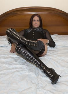 https://flic.kr/p/oVFWCD | Black Boots | If u like my pics please add a comment before adding them as favs