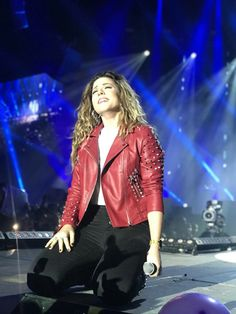 Red Leather, Leather Jacket, Tv, Idol, Jackets, Layouts, Fashion, Celebs, Musica