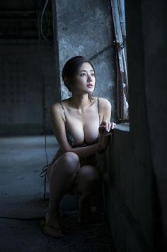 Babe Watch - 片山 萌美