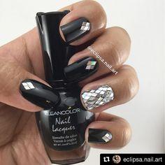 Digging @eclipsa.nail.art 's shiny mosaic nails using #kleancolor Nail Lacquer in Black and Clear! #repost #naillacquer #black #clear #nailpolish #nails #mani #mosaicnails #shine #nailart #notd #makeup #cosmetics #beauty