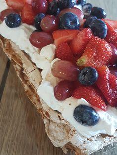 20171008_155105 Norwegian Food, Norwegian Recipes, Cake Recipes, Dessert Recipes, Pudding Desserts, Mini Cakes, Let Them Eat Cake, Lchf, Mousse