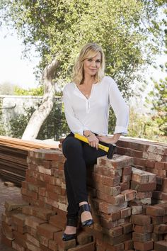 Actress Jennie Garth shares her DIY designer tips in The Jennie Garth Project
