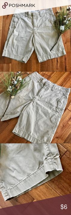 Vintage khaki American Eagle shorts in GUC sz 32 These vintage khaki shorts from American Eagle are a fun addition to any closet! Distressed detailing can be seen along the bottom hem of the shorts as well as along the top of the shorts. There is some natural wear on the back pockets from my husband's wallet. Bundle with other items from my closet for the best deal! American Eagle Outfitters Shorts Flat Front