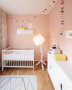 Bambula: boklok nikinkumpu - lastenhuoneet nurseries to admi Baby Room Colors, Baby Room Art, Baby Bedroom, Baby Room Decor, Kids Bedroom, Kids Rooms, Nursery Wall Decor, Nursery Room, Girl Nursery