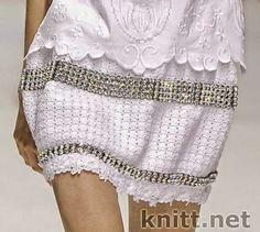 Traje saco, blusa y falda tejido al crochet combinados con lino de dama…