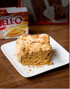 Easy Low Fat Pumpkin Sheet Cake… only FIVE ingredients total! Easy Low Fat Pumpkin Sheet Cake… only FIVE ingredients total! Low Fat Desserts, Fall Desserts, Sweet Desserts, Just Desserts, Delicious Desserts, Dessert Recipes, Yummy Food, Dessert Healthy, Healthier Desserts