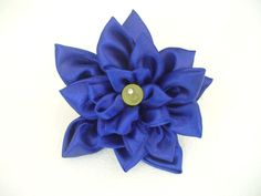 DIY Fabric Flower Brooch - Combining 5 Flowers Into One