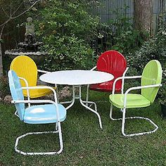 Outdoor metal furniture painted. Something I plan to do.
