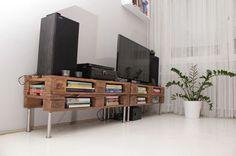 tv állvány raklapból - Wooden pallets tv rack, by the marvellous Juditu