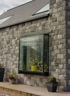 IQ Glass regularly create these modern boxed windows, known as Oriel Windows, creating almost frameless pop out glass boxes to be used as… Kitchen Garden Window, Garden Windows, Contemporary Windows, Modern Windows, Modern Window Seat, Window Seats, Glass Structure, Glass Boxes, Window Design