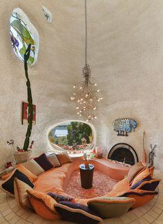 "Hillsborough, CA. ""The Flintstone House"", concrete over rebar & aeronautical balloon. Flintstone House, Casa Dos Hobbits, Retro Interior Design, Earthship Home, 70s Home Decor, Aesthetic Rooms, Retro Home, Interior Architecture, Organic Architecture"