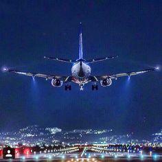 B737 Night Landing
