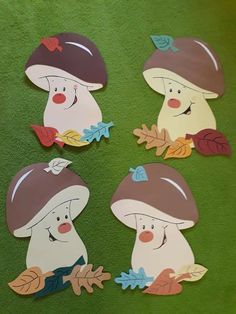 Thanksgiving Arts And Crafts, Autumn Crafts, Paper Crafts For Kids, Diy And Crafts, Easter Flower Arrangements, 1st Birthday Cake Topper, School Door Decorations, Capes For Kids, Autumn Activities For Kids