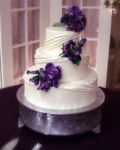 Wedding Cakes with Purple Flowers | Fondant and Lilacs Wedding Cake