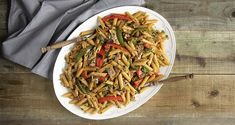 Healthy penne with pork tenderloin (high protein) by the Greek chef Akis Petretzikis. A quick and easy recipe for a pasta dish full of flavors! Nutrition Chart, Nutrition Information, Processed Sugar, Good Fats, Saturated Fat, Penne, High Protein, Raw Food Recipes, Quick Easy Meals