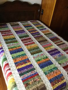 Great way to use scraps! Jelly Roll Quilt Patterns, Patchwork Quilt Patterns, Quilt Patterns Free, Crazy Patchwork, Jellyroll Quilts, Scrappy Quilts, Easy Quilts, Patch Quilt, Quilt Blocks