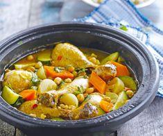 Avis aux amateurs de cuisine orientale : voici une recette de tajine de poulet aux légumes. À vos fourneaux.