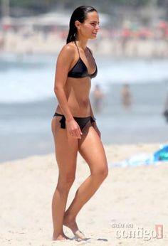 Share your Gambar jordana brewster hot sexy bikini mine very