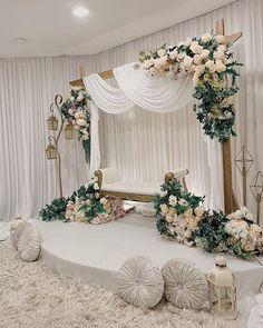 Wedding Stage Backdrop, Wedding Backdrop Design, Wedding Hall Decorations, Wedding Stage Design, Desi Wedding Decor, Engagement Decorations, Backdrop Decorations, Wedding Background, Pelamin Simple