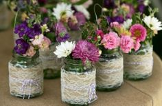 Mother Daughter Banquet Ideas | http://www.onewed.com/design/gallery/15-gorgeous-burlap-wedding-finds ...