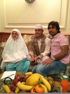 Aamir Khan and his mother in the company of Khalid Kherada of AlKhalid Tours