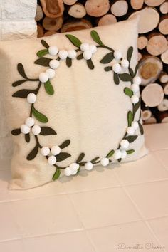 This is a really easy pillow to make with very little sewing. It is made with felt, which will not fray....
