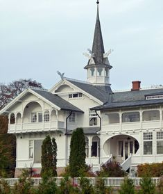 "Norwegian ""Dragon-style""-house = old architecture. - Steve's Digicams Forums"