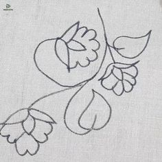 Hand Embroidery Projects, Floral Embroidery Patterns, Hand Embroidery Videos, Embroidery Stitches Tutorial, Embroidery Flowers Pattern, Creative Embroidery, Learn Embroidery, Hand Embroidery Designs, Embroidery Techniques