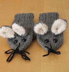 Free Knitting Pattern for Mouse Mittens - These child-sized mittens were designed by Janine Le Cras. Pictured project by Betty.