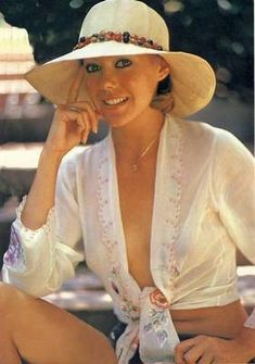 Photo Delectable Jenny Agutter Sexy Busty See-Thru Blouse Pinup loved jenny forever British Actresses, Actors & Actresses, British Actors, Logan's Run, American Werewolf In London, Pin Up, Bond Girls, Actrices Hollywood, Classic Hollywood
