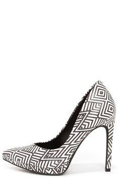 Jessica Simpson Brynn White and Black Print Platform Pumps at Lulus.com!